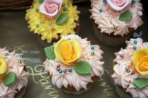 <b>Fairy cakes</b><br>Selection of 4 items